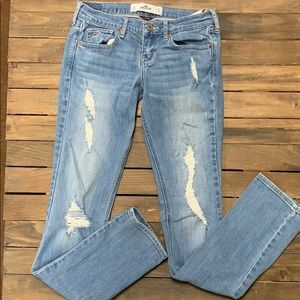 Size 3/26 Long Hollister Jeans (Barely Worn)